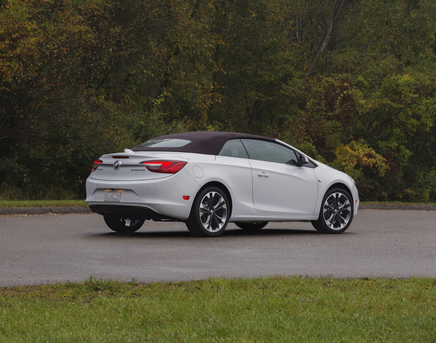 2018 Buick Cascada Gets New Colors And Tops | Gm Authority 2022 Buick Cascada Oil Type, Options, Reviews