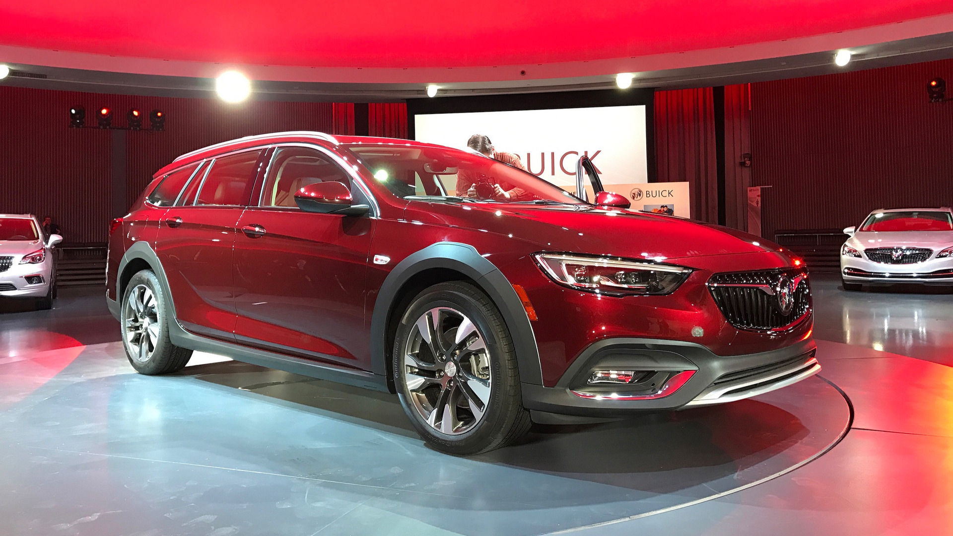 2018 Buick Regal Arrives With Sportback And Tourx Body Styles New 2021 Buick Regal Tourx Accessories, Changes, Release Date