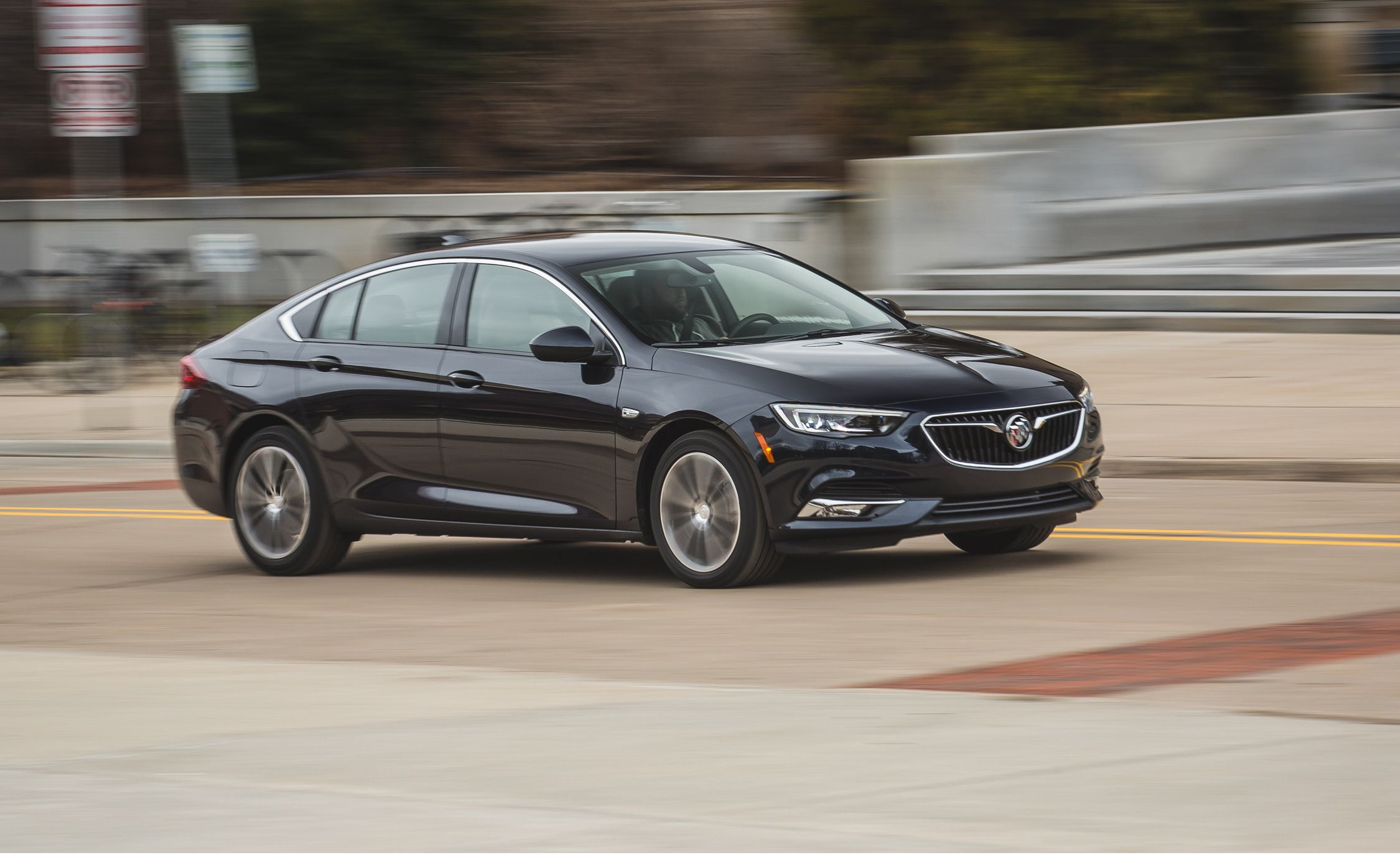 2018 Buick Regal Sportback Fwd Test | Review | Car And Driver 2021 Buick Regal Lease, Length, Trim Levels