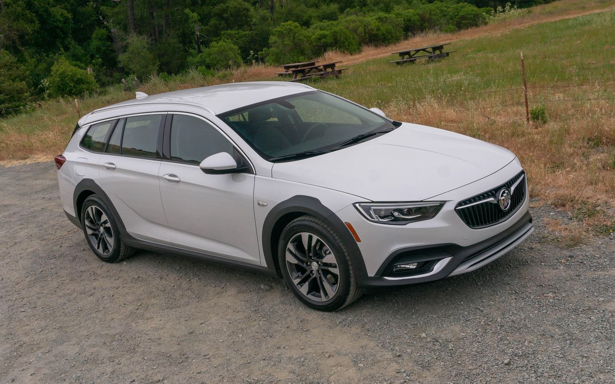 2020 Buick Regal Tourx Reviews, News, Pictures, And Video New 2021 Buick Regal Tourx Interior, Brochure, Preferred