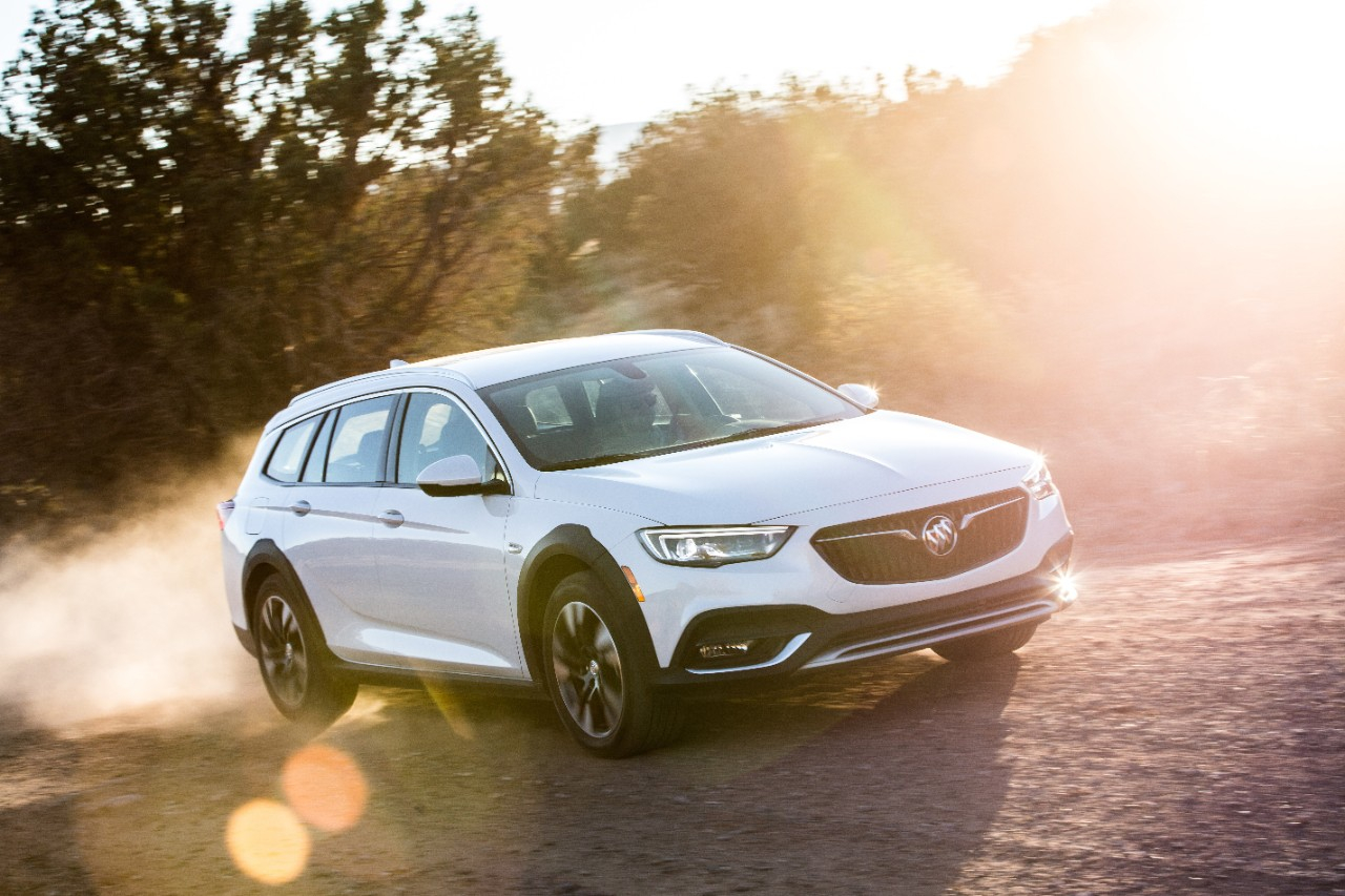 Buick Regal Discount Totals $5,500 In March 2020 | Gm Authority 2022 Buick Regal Tourx Price, Lease, Awd
