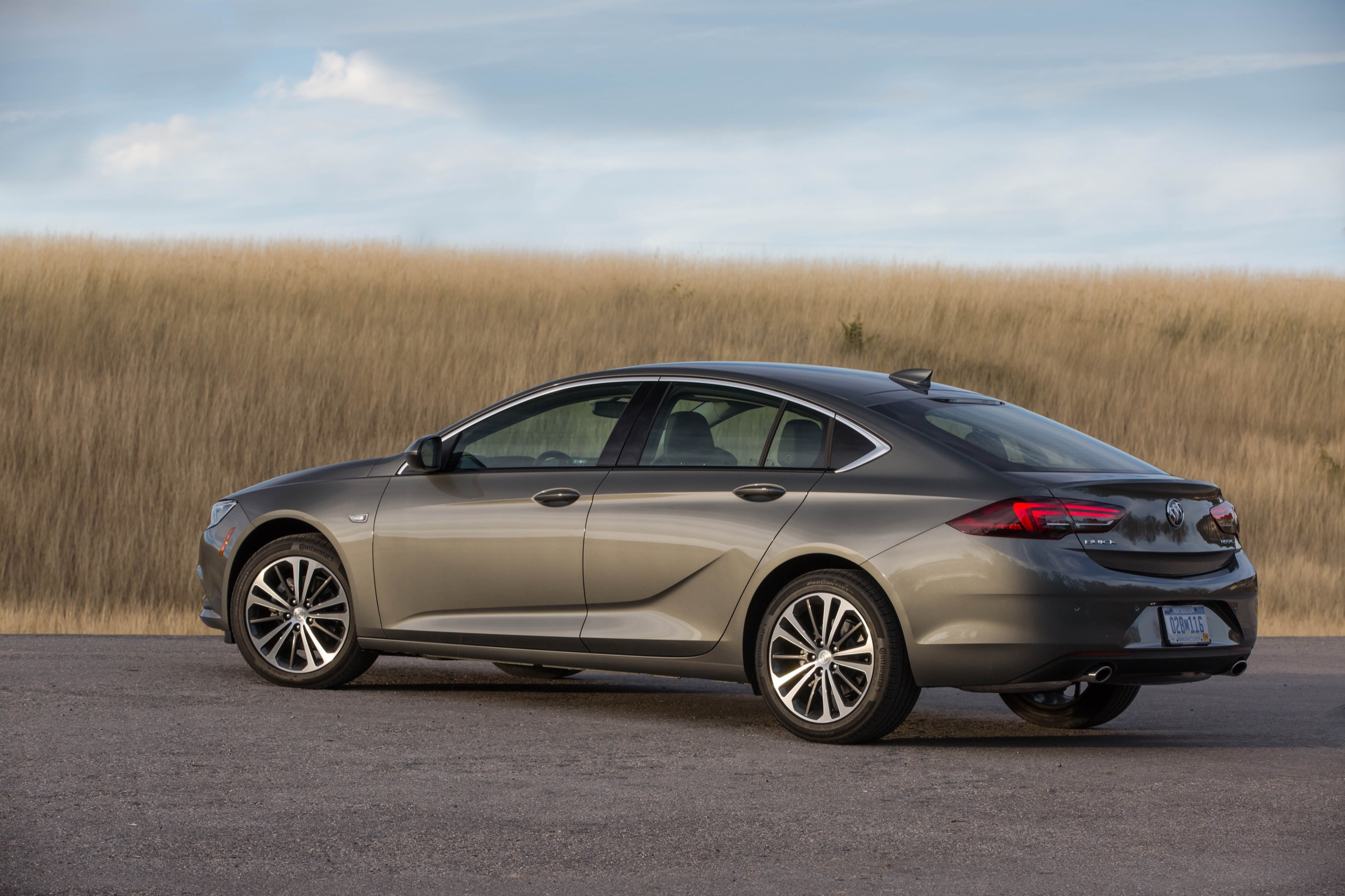 Buick Regal Tops J.d. Power Vehicle Dependability Study | Gm Is The New 2022 Buick Regal A Good Car