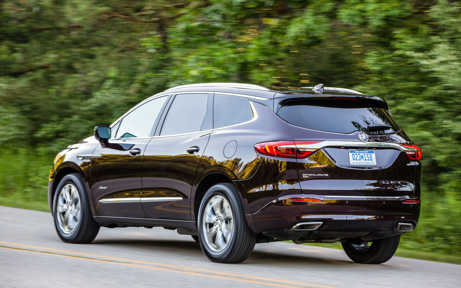 Comparison - Buick Enclave Avenir 2020 - Vs - Aston Martin 2021 Buick Enclave Fuel Economy, Fog Lights, Gas Mileage