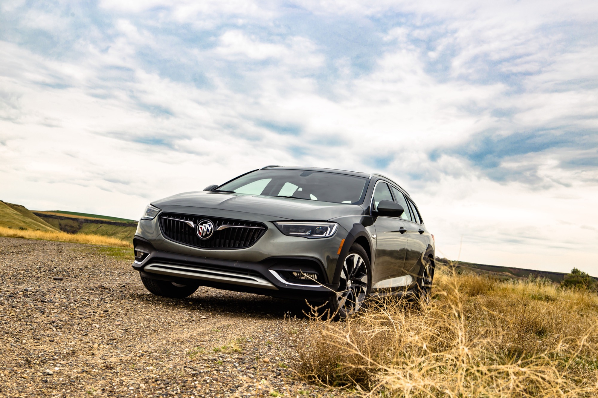 Does Buick Even Want To Sell The Regal Tourx? | Gm Authority 2021 Buick Regal Tourx Discontinued, Mpg, Engine