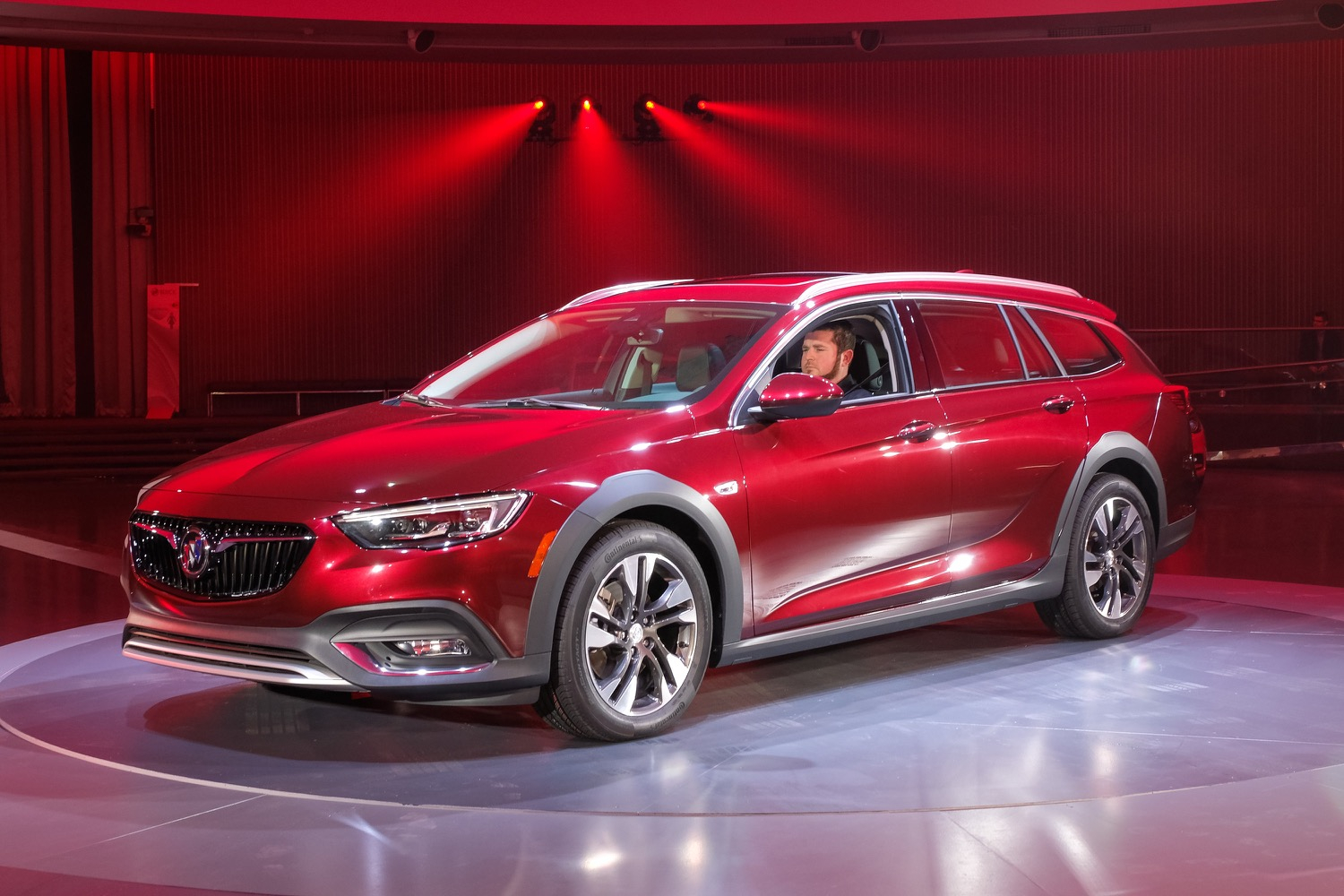Regal Tourx Owners Are Buick's Richest Customers | Gm Authority New 2022 Buick Regal Tourx Discontinued, Mpg, Engine