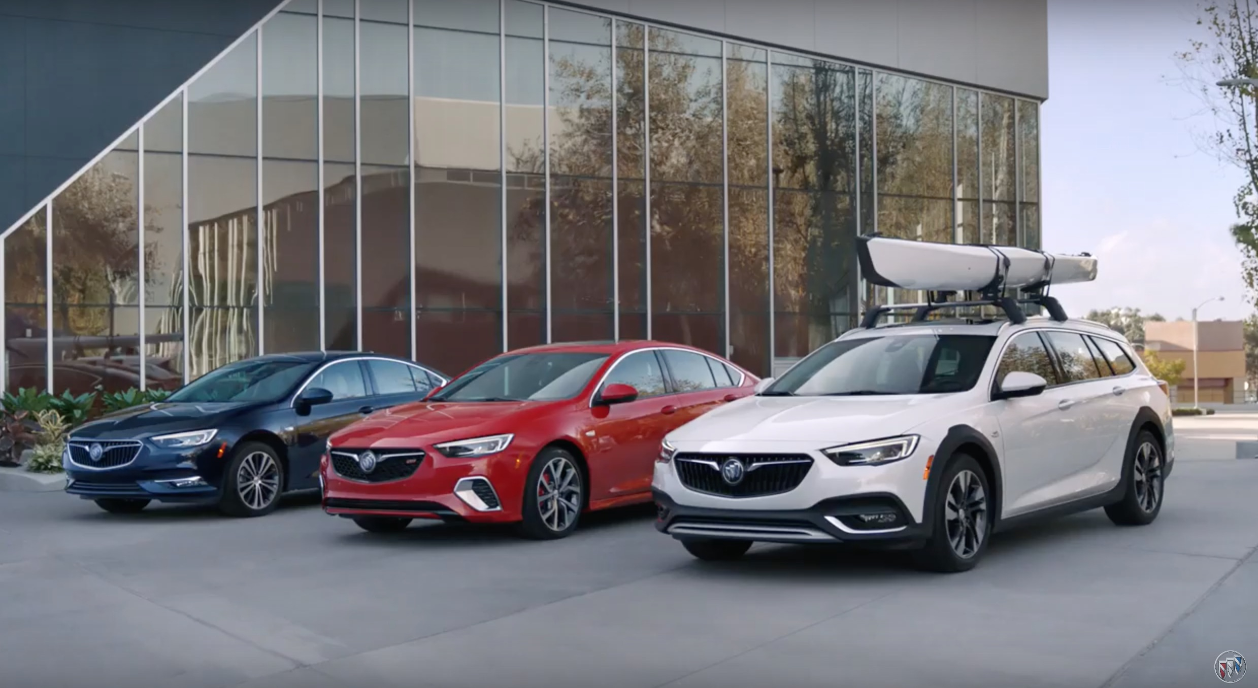 Which Buick Regal Would You Choose: Ad | Gm Authority 2021 Buick Regal Tourx Interior, Brochure, Preferred